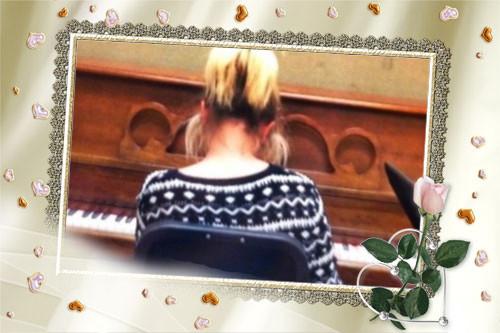 alexa on piano