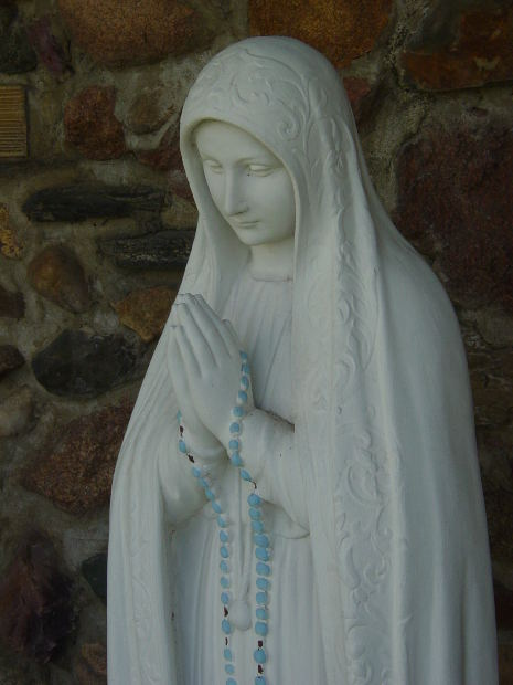 our-lady-with-rosary
