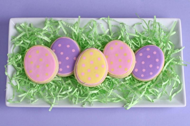 polka dot easter egg cookies.jpg
